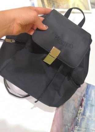 Рюкзак maestro из водоотталкивающей ткани.