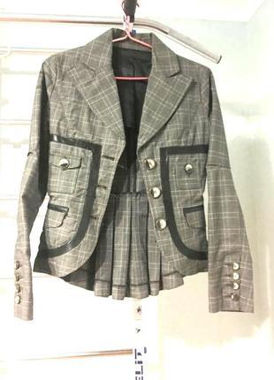 Очень добротный пиджак в английском стиле (куплен в ливерпуль)