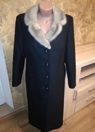 Демисезонное шерстяное пальто с  норкой с натуральным мехом karner modell