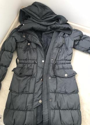 Зимнее пальто серого цвета xs