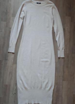 Трикотажное платье миди hostar