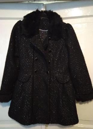 Пальто на дівчинку 7-8 років