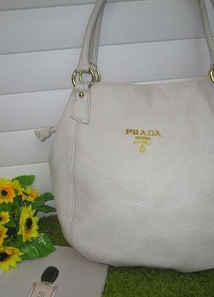 58f26c20be1a Шикарная кожаная сумка итальянского дома моды prada нат. кожа Prada ...