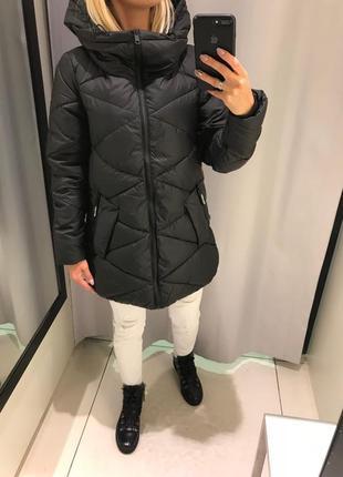 Чёрная куртка с капюшоном курточка на синтепоне. reserved.