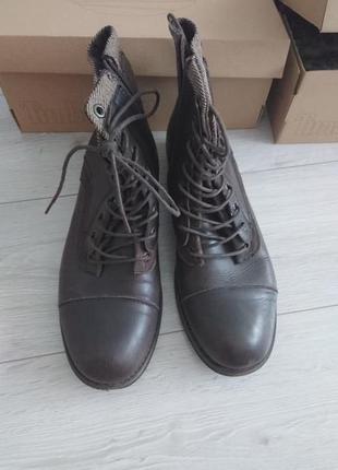 Мужчкие ботинки guess 45 размер