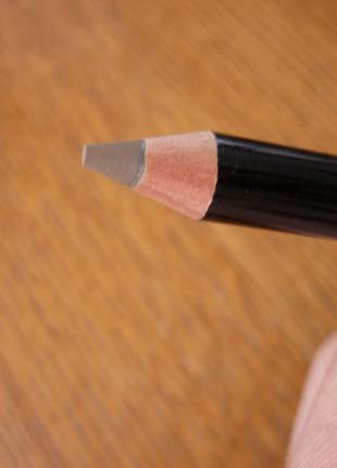 Пудровый, стойкий карандаш для бровей от bobbi brown brow pencil оттенок mahogany