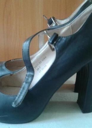 Туфли женские 39 размер 11 см каблук