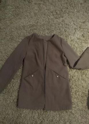 Укороченное кашемировое пальто