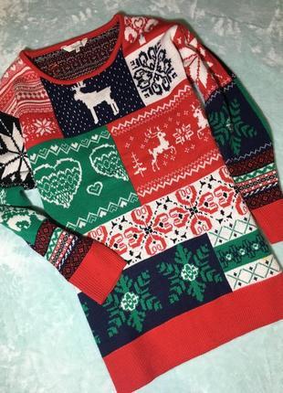 Классный новогодний свитер peacocks