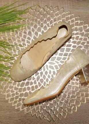 (37р./24см) f! испания! кожа! красивые золотые туфли на удобном каблучке