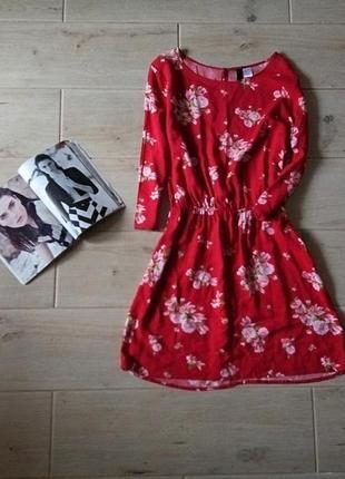 Яркое платье в цветочный принт р.  s m