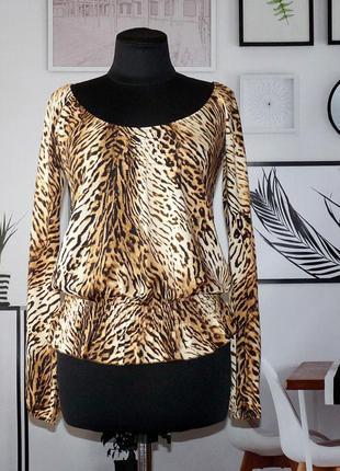 Блуза трикотажная с принтом под леопарда