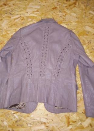 Кожана куртка відомого світового бренду.