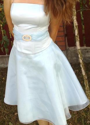 Елегантное выпускное платье р. 42-44