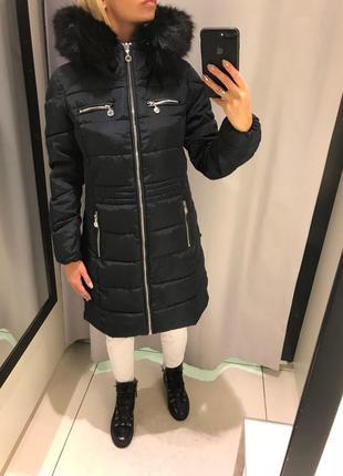 Тёплое пальто удлинённая черная куртка курточка на синтепоне. reserved.