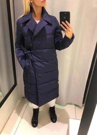 Синее пальто с запахом удлмнённая куртка на синтепоне. reserved.