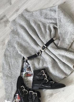 Очень красивый объёмный оверсайз свитер