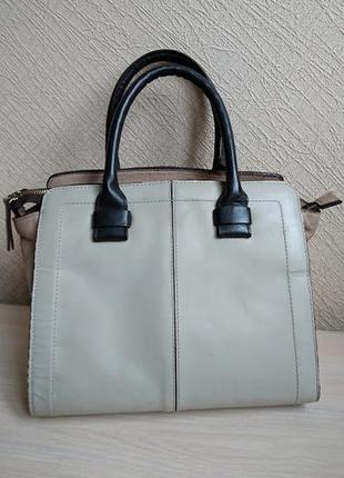 Красивая кожаная сумка clarks