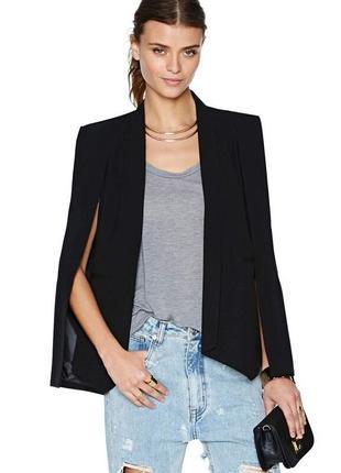 Чёрный классический пиджак накидна