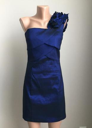 Нарядное платье в шикарном цвете