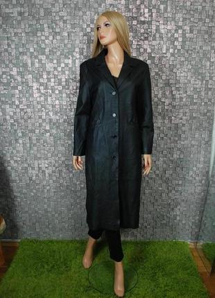 Стильное кожаное пальто миди