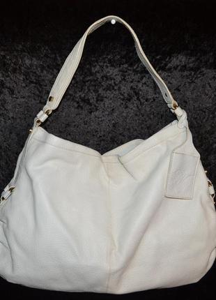 Белая кожаная сумка zara