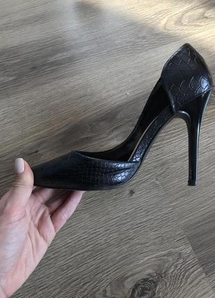 Черные туфельки-лодочки