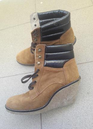 Ботинки. натуральньій замш