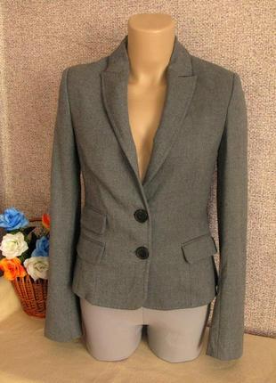 Тепленький пиджак mango размер eur 34-36