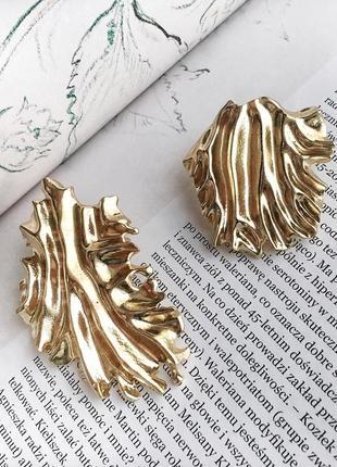 Красивые ассиметричные серьги золотого цвета, statement earrings