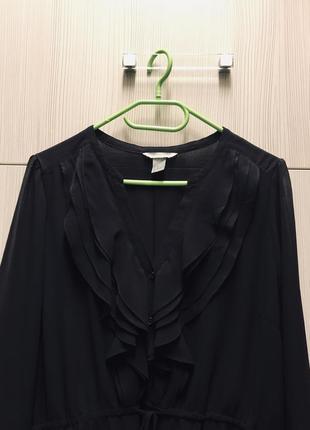 Чёрное платье .