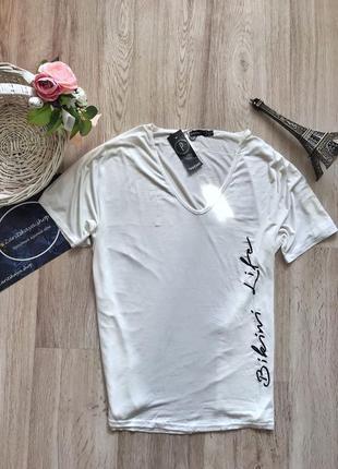 Білосніжна футболочка з надписом⚪️від boohoo💫