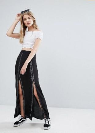 Черная юбка с разрезами atmosphere