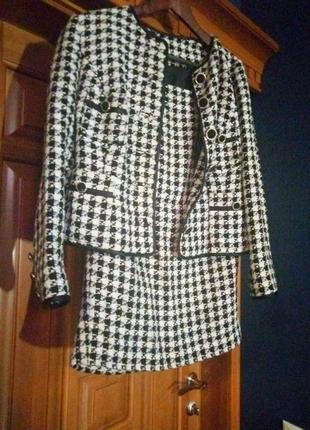 Костюм 2-ка юбка и пиджак дорогая ткань шанель