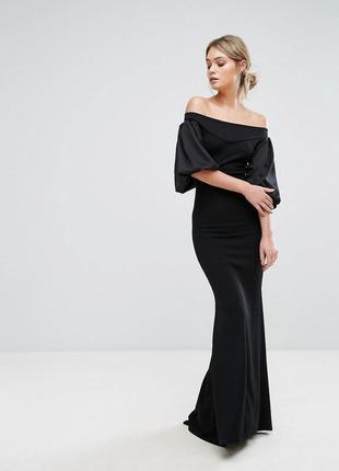 Вечернее платье с рукавами tfnc