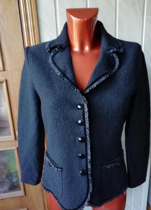 Роскошный итальянский пиджак из 100% валяной шерсти(  virgin wool)