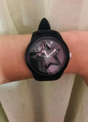 Часы levis