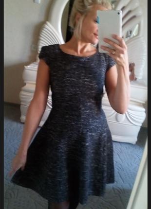 Теплое платье букле меланж в составе шерсть