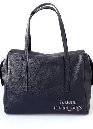 Стильная кожаная сумка с удобными ручками, черная. италия