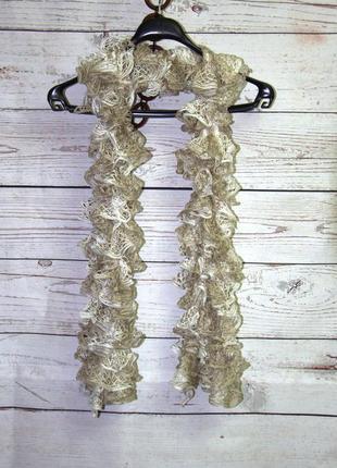 Красивый ажурный шарф с серебристой нитью