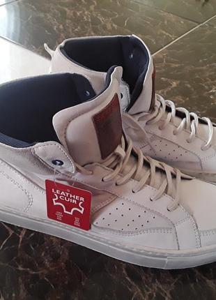 Білі кросовки s.oliver