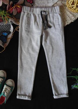 4-5лет.спортивные штаны бойфренды с f&f с начёсом.мега выбор обуви и одежды