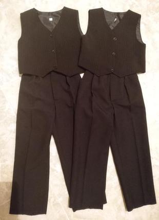 Костюм, штани і жилетка для двійні 32 розмір
