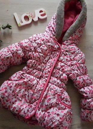 Очень теплая куртка на девочку 3-4 года, холодная зима