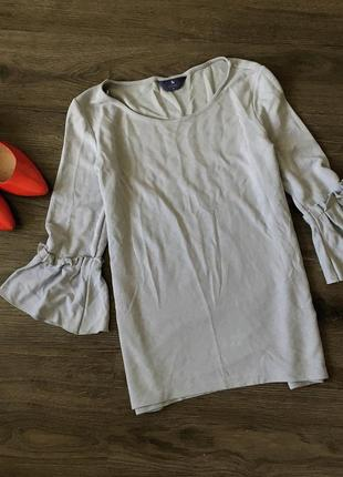 Кофта блуза с красивыми рукавами