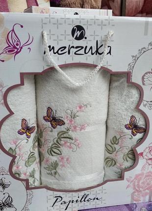 Подарочный набор махровых полотенец merzuka