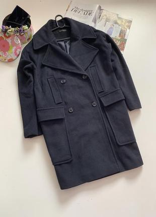 Трендовое шерстяное пальто