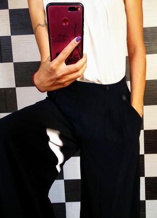 Нарядный комбинезон с широкими брюками