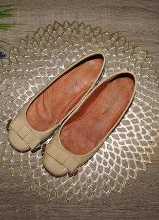 (38/24,5см) moda in pelle! кожа! красивые туфли, балетки на низком ходу2 фото