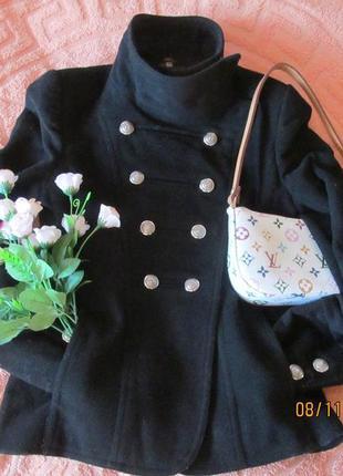 Модный шерстяной жакет-пальто (укороченное).